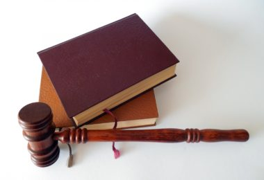hammer-books-law-court-lawyer-paragraphs-rule-4-2