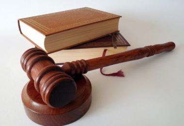 hammer-books-law-court-lawyer-paragraphs-rule-1